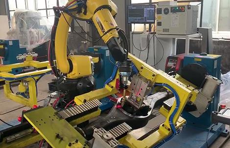 单机器人双工位车桥焊接