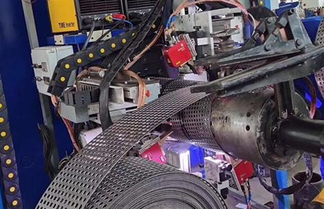 钢塑管孔网钢带焊接