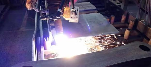 英莱激光视觉焊缝跟踪系统,优化过程、提升精度、打造等离子切割新方案!