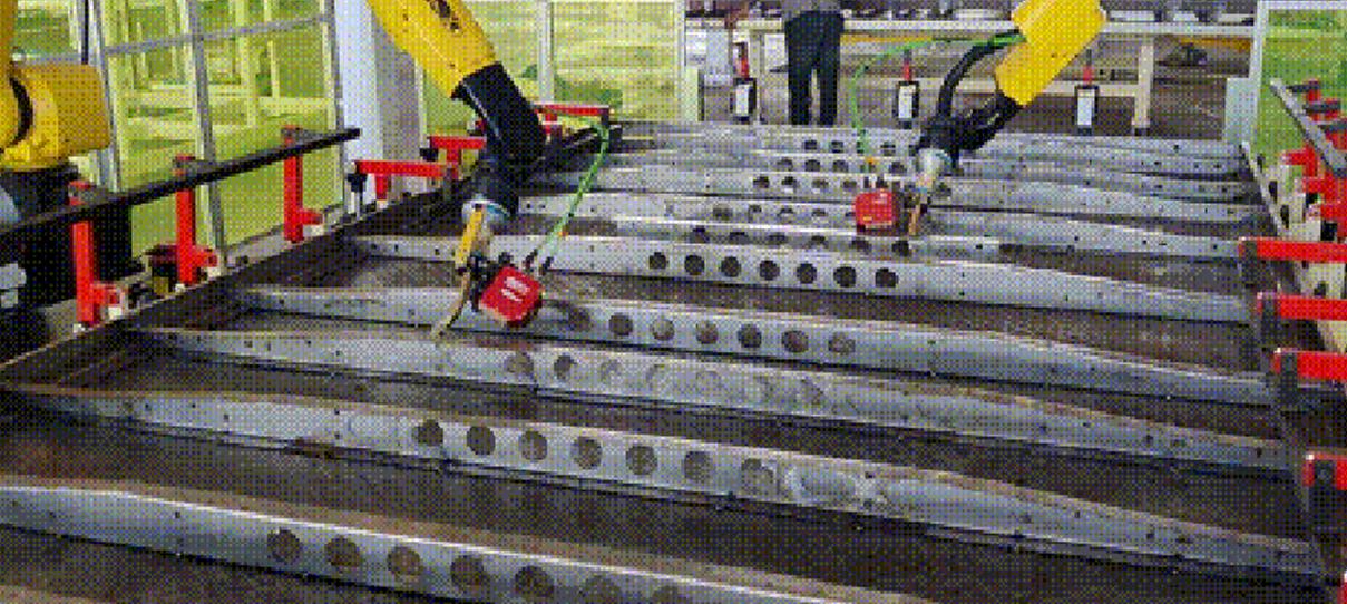 案例_英莱激光焊缝跟踪,助力货车车斗底板高效生产!